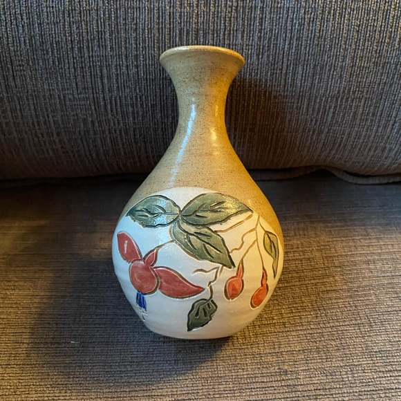 Vtg Jinxi O'Neill small vase made in Ireland 1987